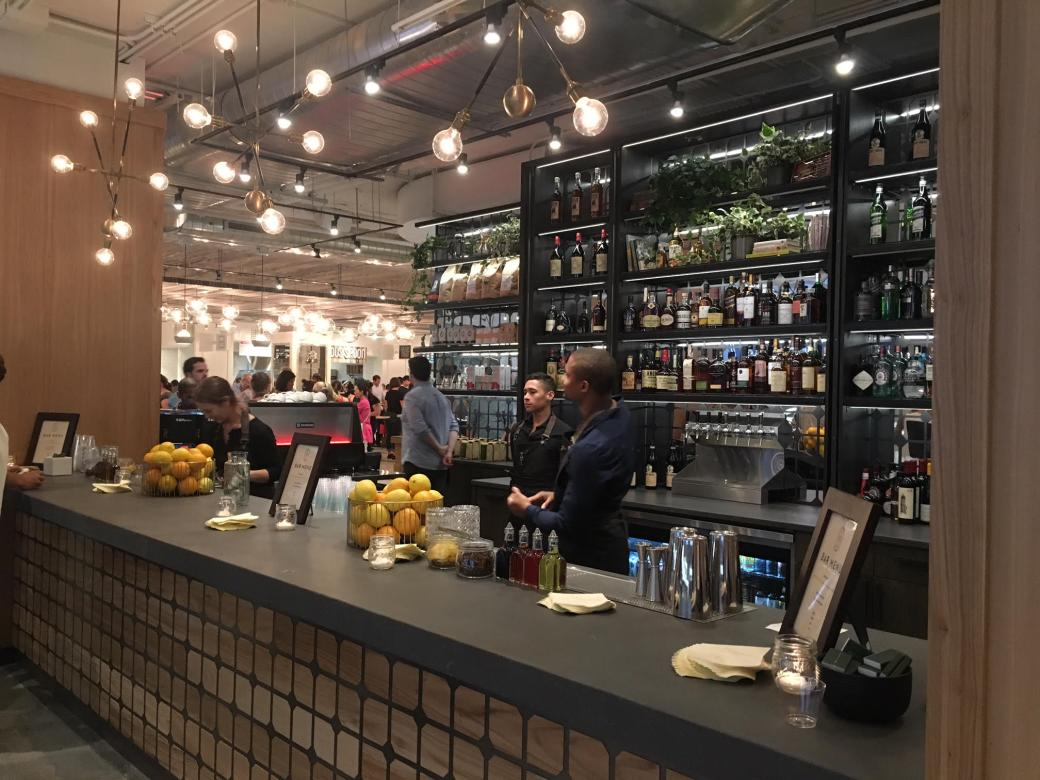 Revival-Food-Hall-Bar_Chritiques